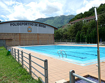 Public swimming pool and town sports centre at 150m.